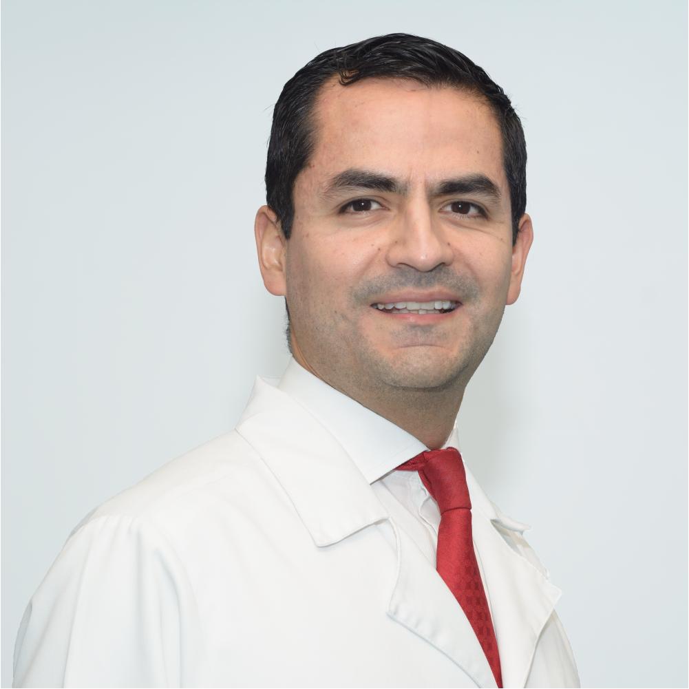 Dr. Camilo